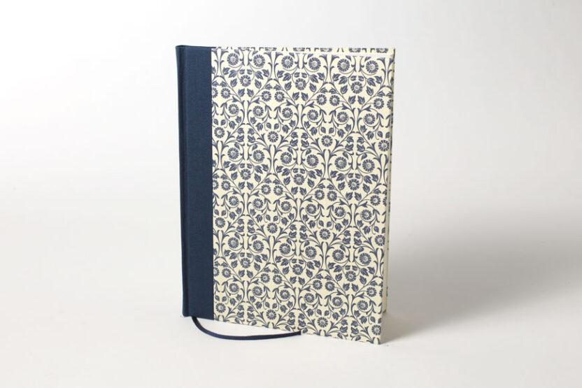 Cuaderno en Blanco Papel Italiano Azul